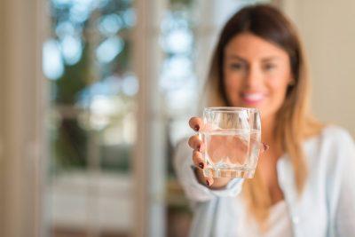 NUK NA KISHTE SHKUAR MENDJA/ E dini se uji 'i rëndë' parandalon kancerin?