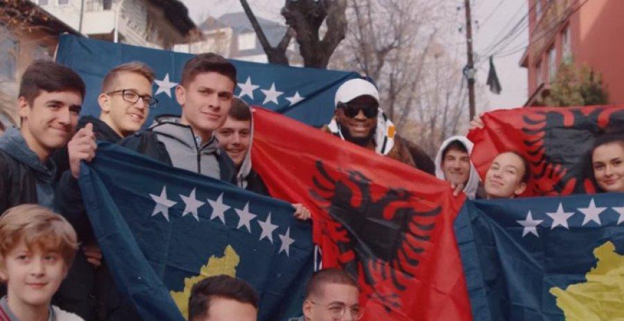 """""""KAM SHUMË RESPEKT PËR KU O POPULL I BUKUR""""/ Reperi afrikano-shqiptar, publikon këngën për 28 nëntor (VIDEO)"""