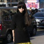 E FIKSUAR PAS NGJYRËS SË ZEZË? Shiko trendet dhe kombinimet e pulovrave për vjeshtë – dimër (FOTO)