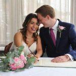 INTERNETI HYRI NË PUNË PËR DIÇKA TË MIRË/ 25-vjeçarja martohet në Angli me djalin që njohu online