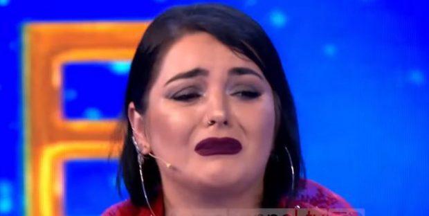 """""""JAM KRENARE QË SHQIPTARËT…""""/ Fifi përlotet në emision teksa kujton tërmetin tragjik"""