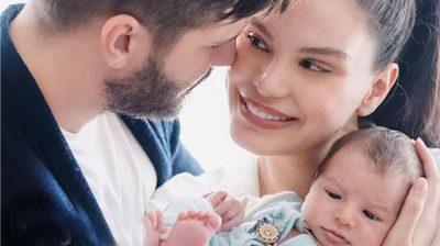 DITËLINDJA E TOLGAHANIT MBLEDH TË GJITHË FAMILJEN/ Almeda i bën dedikimin më të bukur (FOTO)