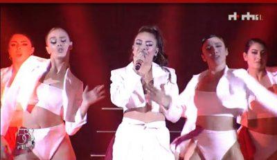 """""""FESTIVALI I KËNGËS""""/ Momenti që po prisnim të gjithë, ja performanca e Elvana Gjatës """"Me """"Tana"""""""