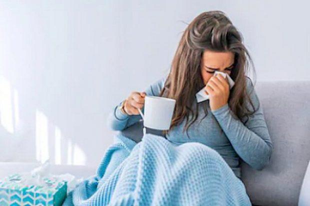 DUHET TI DINI/ Këto 5 mënyra do t'ju ndihmojnë të shëroheni më shpejt nga gripi