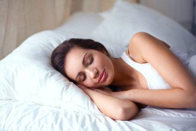 MËSOJENI TANI/ Çfarë është melatonina dhe si i shërben trupit tonë?