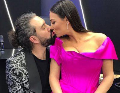 MARSELA ÇIBUKAJ DHE VITMAR BASHA/ Konkurrentë në skenë, puthje në prapaskenë