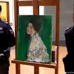 E PAZAKONTË/ Piktura e humbur prej 23 vitesh gjendet pas murit ku humbi gjurmët