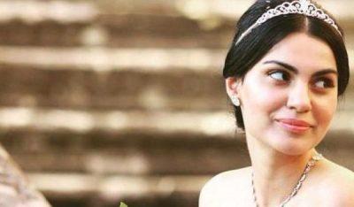 PASI U BË NËNË/ Anjeza Shahini emocionon me fjalët e thëna (FOTO)