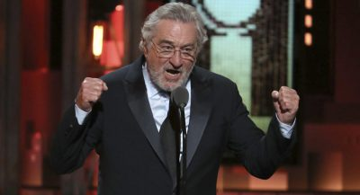 """""""GODITENI NË FYTYRË ME NJË THES M*TI""""/ Robert De Niro shpërthen keq drejt Presidentit Trump"""