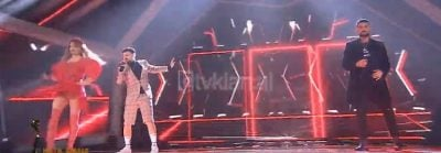 """FINALJA E """"KËNGËS MAGJIKE""""/ Po performonte në skenë, momenti kur Rovena Dilos i dalin të brendshmet (FOTO)"""