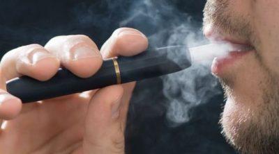 """KUSHTOJINI VËMENDJE/ Kalimi tek alternativa pa tym """"ndihmon zemrat e duhanpirësve"""""""