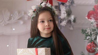 ËSHTË VETËM 5 VJEÇE/ Vogëlushja e ëmbël shqiptare që imiton vipat në mënyrën më unike (FOTO)