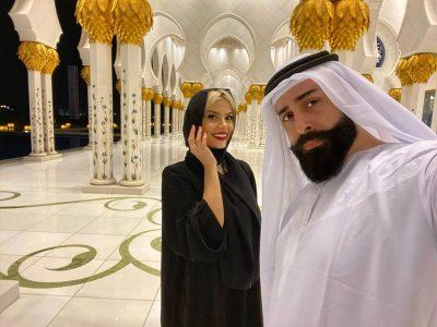 GETI NJË SHEIK NË ABU DHABI/ Marina e mbuluar dhe me veshje tradicionale