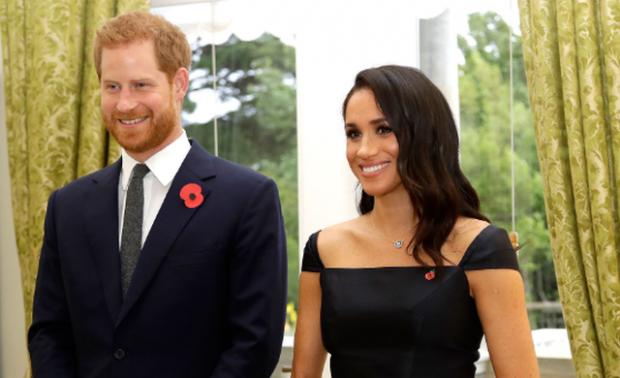 """U BË """"MOLLË SHERRI""""/ Ja çfarë e shtyu Harryn dhe Meghanin të heqin dorë nga roli mbretëror (FOTO)"""