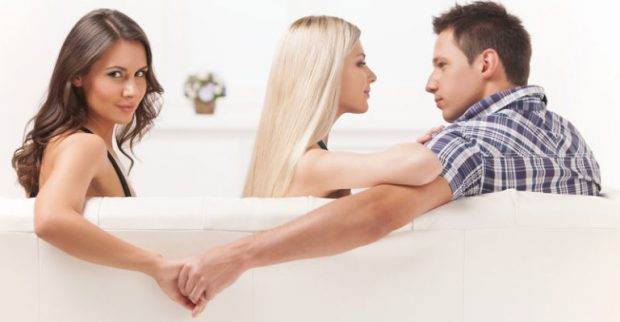 Përse meshkujt që tradhëtojnë nuk ndahen nga partneret e tyre?