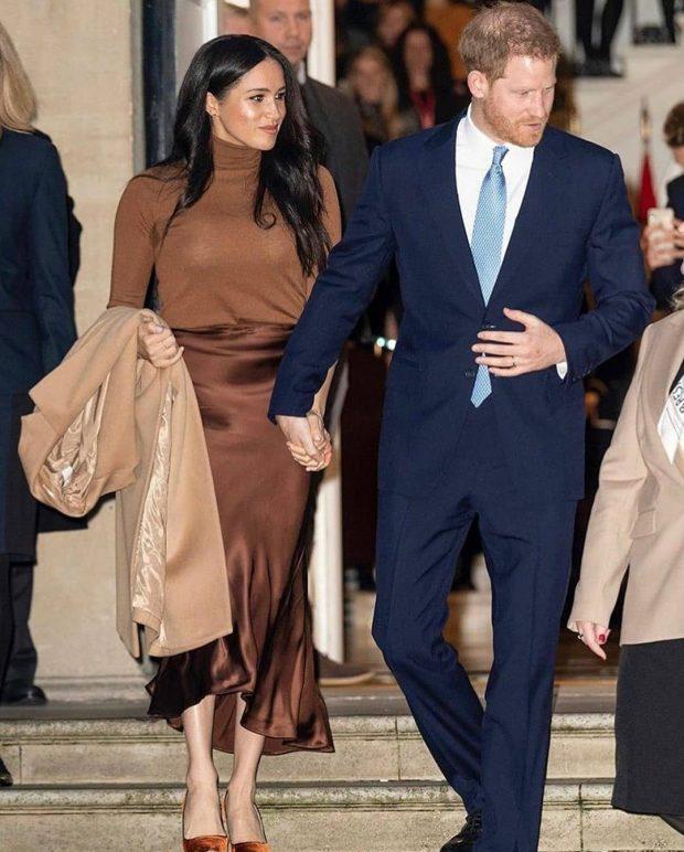 IA NDALOI VETES…/ Ja cilat janë 8 veshjet që Meghan Markle hoqi dorë pas martesës me Princin Harry