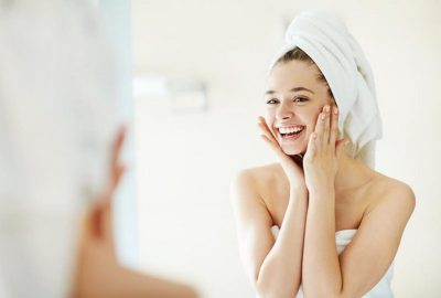 DUHET SHMANGUR…/ Ja çfarë duhet të dini përpara se të bëni një pastrim fytyre