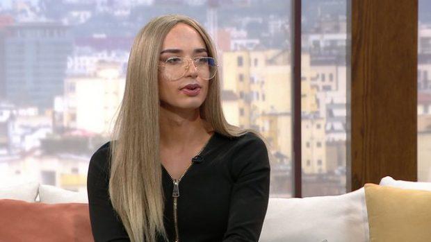 PRANON HAPUR ORIENTIMIN E SAJ SEKSUAL/ Rrëfimi i transgjinores Lola: Babi ka merak si më trajtojnë çunat… (VIDEO)