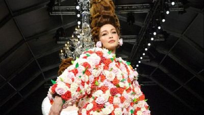 """KOLEKSIONI VJESHTË 2020/ """"Moschino"""" frymëzohet nga figura e Marie Antoinette (FOTO)"""