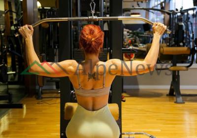 """""""EJA TË STËRVITEMI BASHKË""""/ Aulona Musta vjen me projektin e ri për një trup të shëndetshëm"""