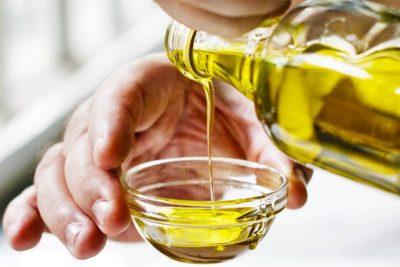 NJË LËKURË E BUTË…/ Si të përdorni vajin e ullirit për një shëndet më të kuruar
