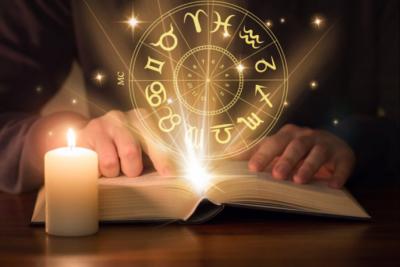 """""""MUND TË NDRYSHOJË BOTËN""""/ Ja cilat janë pesë shenjat më të mençura të horoskopit"""