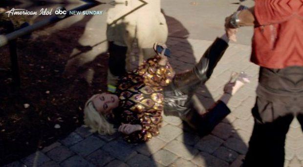 ÇFARË NDODHI? Katy Perry humb ndjenjat në mes të emisionit