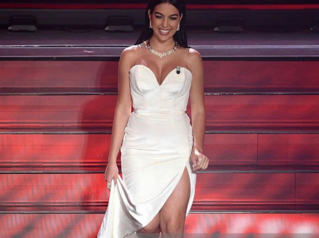 """SHKËLQEU NË """"SANREMO""""/ Georgina ishte e veshur nga stilistja e njohur shqiptare"""