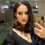 """""""BËJ NJË FOTO PA FILTËR, BËJ""""/ Hygerta Sako i kthehet gjithë ironi ndjekëses që e kritikoi"""