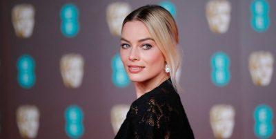 """""""BAFTA AWARDS""""/ Çfarë veshën yjet në tapetin e kuq"""