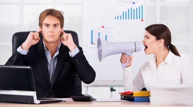 NËSE DONI TË…/ Pse duhet të injoroni kolegët në orar të punës?