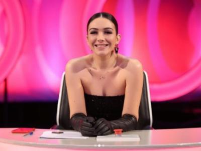 """""""JEMI 5 VETA NË JURI""""/ Jonida Vokshi nuk """"fshihet"""" më, pranon shtatzëninë në emision"""