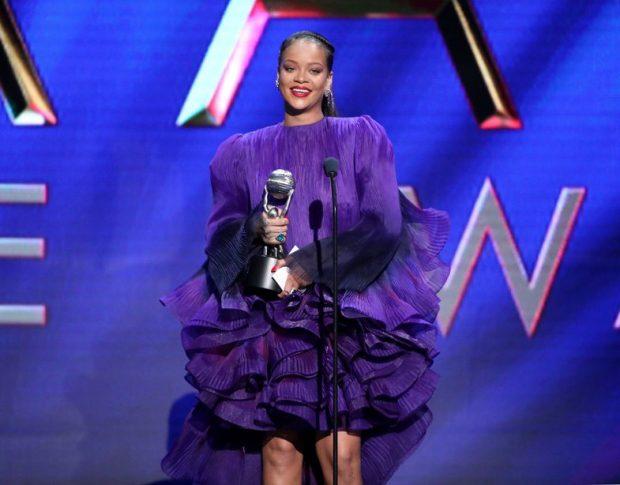 """""""SOT S'JEMI KËTU PËR MUA…""""/ Fjalimi emocionues i Rihanna-s: S'kam fjalë për ta përshkruar rëndësinë…"""