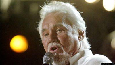 KA FITUAR TRE ÇMIME GRAMMY/ Vdes ylli i muzikës amerikane Kenny Rogers në moshën…