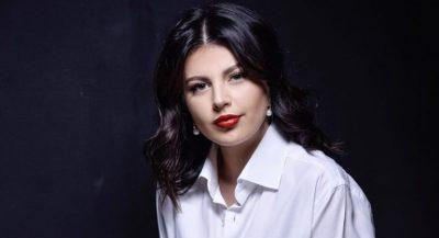 """""""I KAM DHËNË 14 MUAJ""""/ Rudina Dembacaj rrëfen se sa ka ndikuar ndërhyrja estetike në trup në rolin e saj si nënë (FOTO)"""