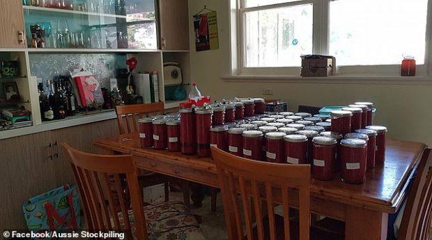 KORONAVIRUSI/ Ja si janë frigoriferët e njerëzve këto ditë, rezervat ushqimore (PAMJET)