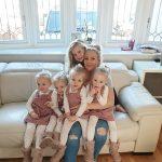 KARANTINA SFIDON PRINDËRIT/ Ja si çifti përballon izolimin me katërnjakët dhe fëmijën 6 vjeç