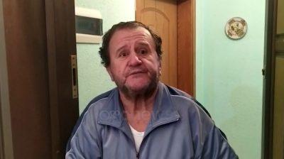 KORONAVIRUSI/ Humoristi Muharrem Hoxha vetizolohet në Pogradec (VIDEO)