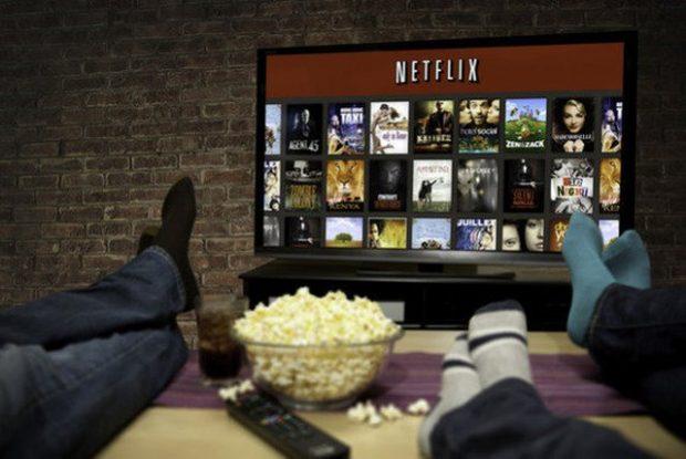 DISA DITË BRENDA NË SHTËPI/ Këto janë 5 serialet që do të bëjnë të kënaqeni teksa i shihni