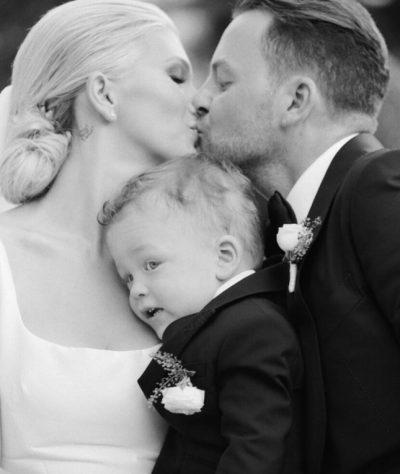 SARA HOXHA HAP ALBUMIN NË KARANTINË/ Poston FOTOT e papublikuara nga dasma