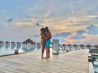 """KY ËSHTË """"HALL""""! Ky çift i gjorë ka ngecur në… Maldive (FOTOT)"""