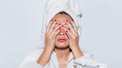 HIDHINI NJË SY/ Maska fantastike për lëkurën që mund t'i bëni në shtëpi gjatë karantinës