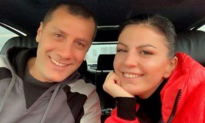 MOMENTE ROMANTIKE NË KREVAT/ Rudina dhe Marku nisin pushimet buzë detit (FOTO)