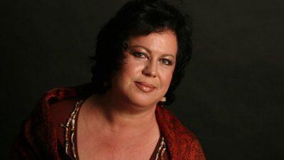 I SHOQI BËHET XHELOZ/ Këngëtarja shqiptare i kthehet: Maskara, më ke përndjekur? (FOTO+VIDEO)