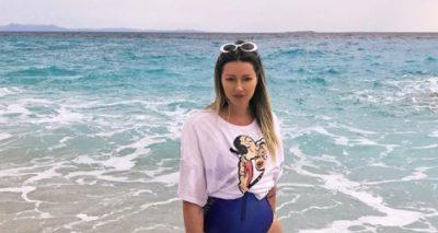 """SUPER FORMA""/ Ronela Hajati ngre temperaturat, poston FOTON seksi me bikini"