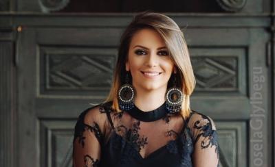 4 VITE PA KËNGË TË RE/ Këngëtarja shqiptare tregon arsyen e këtij vendimi