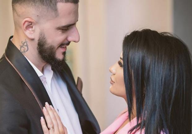 U MARTUAN NË MARS/ Gold Ag ndan për herë të parë FOTO nga dasma dhe zbulon identitetin e partneres