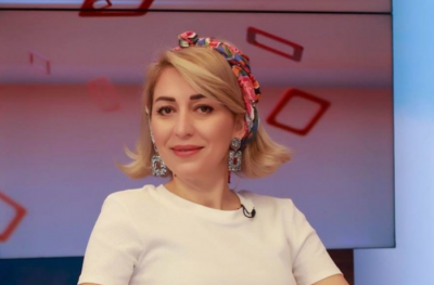 """""""SA LEKË MORE QË TË THUASH SE JE ME COVID-19?"""" Këngëtarja shqiptare i kthehet ndjekëses: Injorante! (FOTO)"""