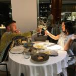 KA BASHKËPUNUAR ME ELVANËN DHE XHENSILËN/ Çfarë thotë Ardian Bujupi për dy këngëtaret e njohura (FOTOT)