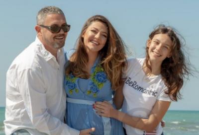 """""""KËTU PASTAJ NDALEMI NJË MOMENT""""/ Bieta Sula shkruan këto fjalë për Albanin dhe vajzën e tij (FOTO)"""